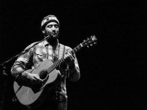 Acoustic Guitarist Spotlight: Ben Harper Bio