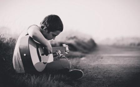 best-guitar-for-children