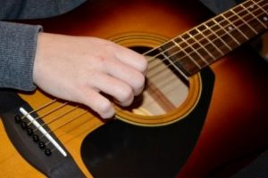 What are the Different Types of Guitars_Six Strings Acoustics